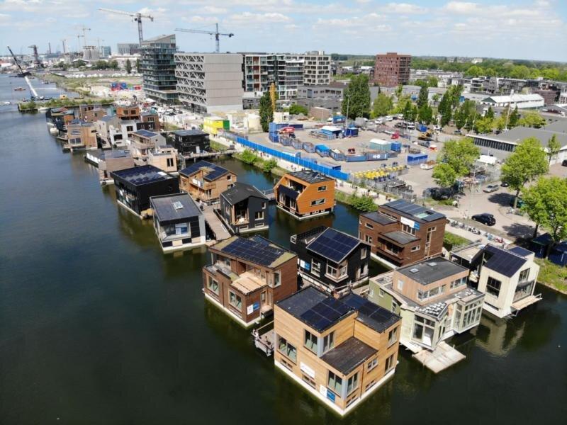 پایدارترین محله شناور اروپا در کشور گلها