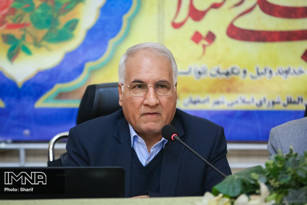 خسارت های شهر اصفهان را به رئیس جمهور گزارش میدهیم/فعالیت کامل خط یک مترو تا پنجشنبه