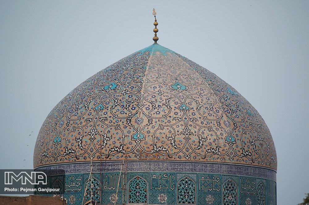 مرمت یا تخریب گنبد مسجد شیخ لطف الله!؟