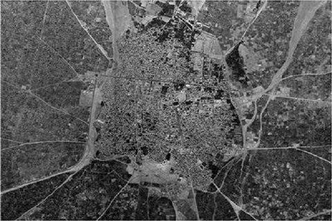 موزاییکسازی عکسهای هوایی سال ۳۵ قزوین تهیه میشود