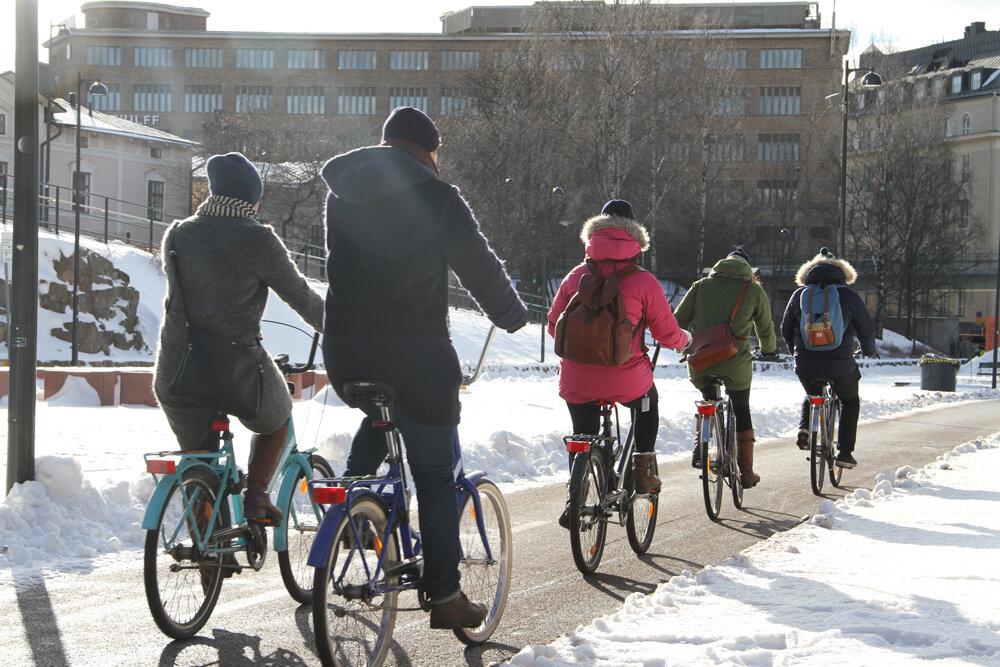 ترویج دوچرخه سواری در هلسینکی با همکاری پلیس