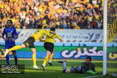 سپاهان به دنبال برد شماره ۲۶ برابر استقلال+ جدول