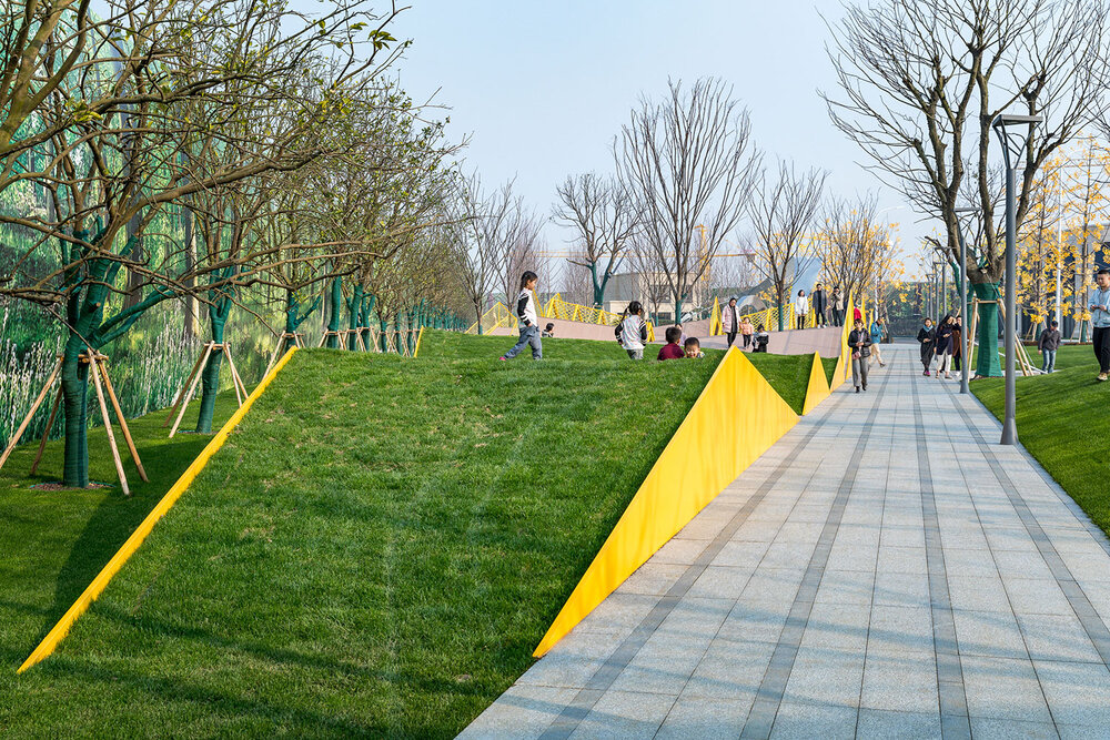 احداث پنج پارک کودک کرمان در مناطق پنجگانه همزمان با روز جهانی کودک