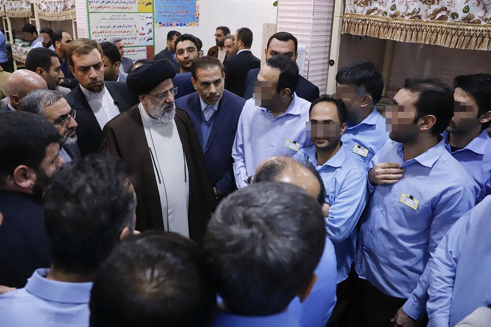 بازدید سرزده رئیس قوه قضائیه از زندان مرکزی اصفهان