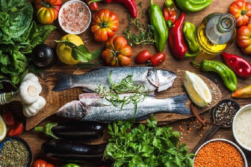 مصرف همزمان ماهی با این خوراکیها بسیار خطرناک است