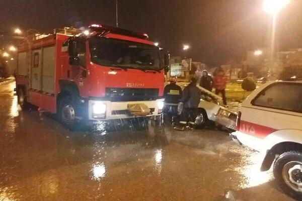 انجام ۱۰ عملیات امدادرسانی به دنبال آبگرفتگی زیر پل چقامیرزا در کرمانشاه