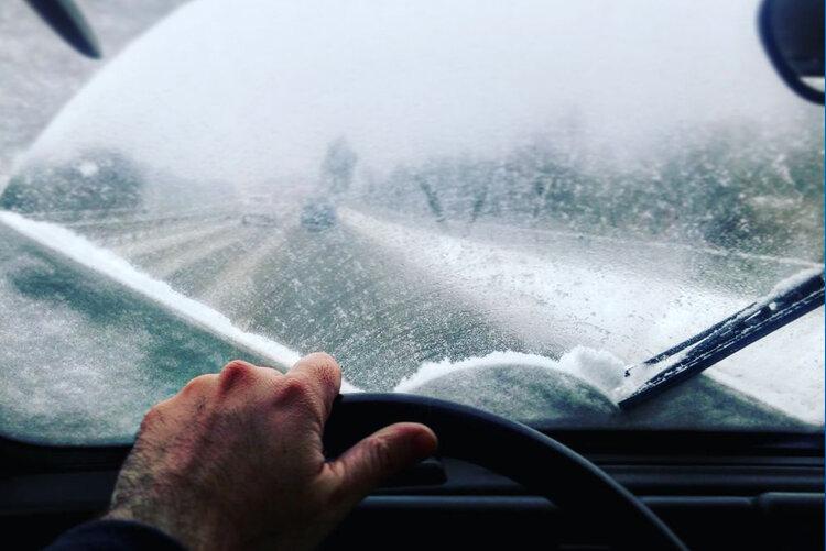 ویز (Waze) جادههای یخ زده را گزارش میدهد