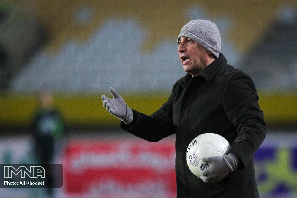 مذاکرات فدراسیون فوتبال با قلعهنویی در مراحل پایانی