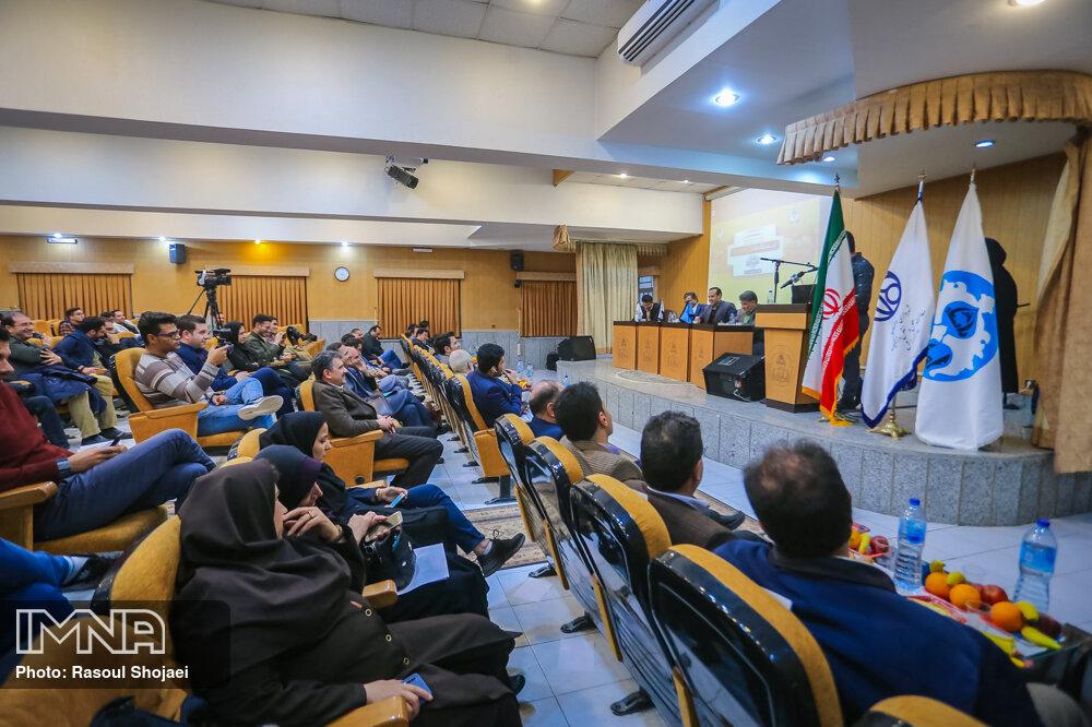 چالشهای حمل و نقل عمومی در کلانشهر اصفهان