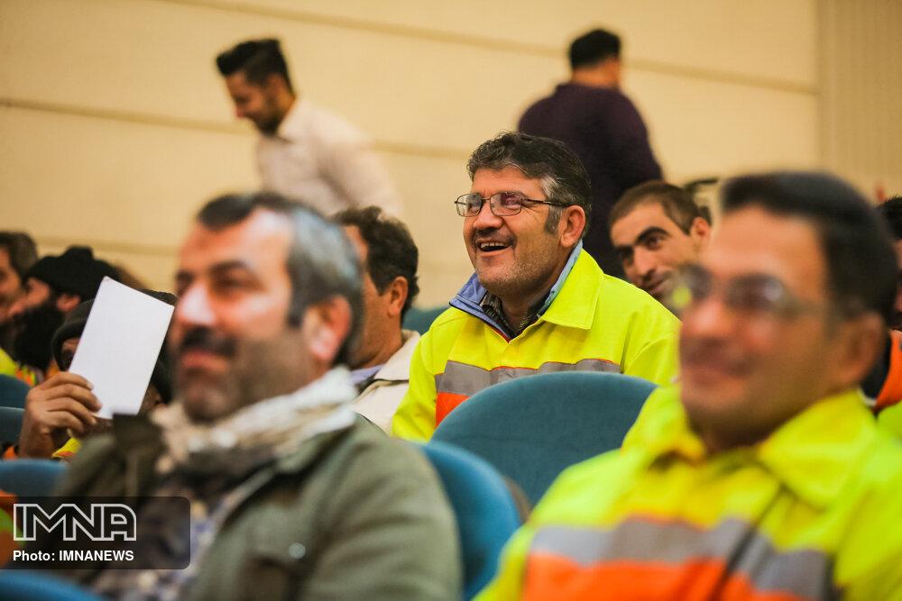 لزوم توجه به ارتقای مهارت فردی کارکنان خدماتی شهرداری اصفهان