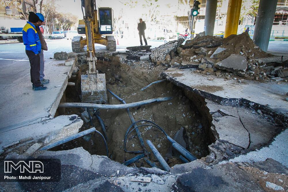 خطر فرونشست در کمین یکصد هکتار از اراضی شهر دامنه