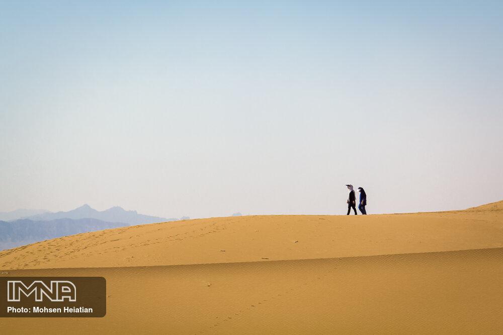 جلوگیری از برگزاری تورهای غیرمجاز گردشگری در کویر آرانوبیدگل