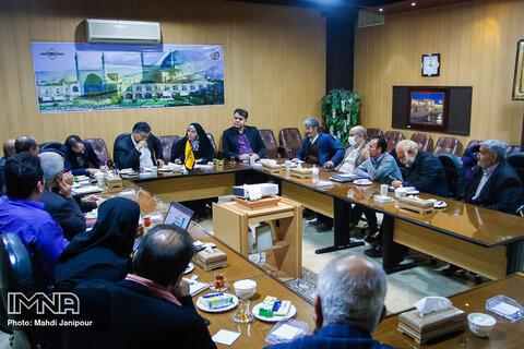 بازدید ناهید تاج الدین از سازمان تاکسیرانی اصفهان