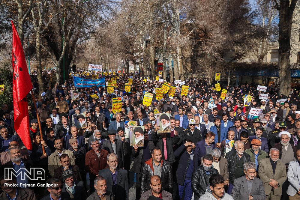 انقلاب اسلامی سرشار از مجاهدتها، پایداریها و جوانمردی مردم است