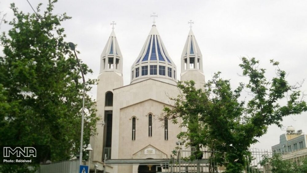 حریم کلیساهای تهران توسط میراث فرهنگی حفظ شود