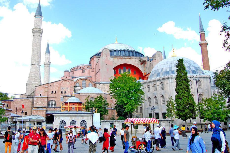 سازمان هواپیمایی برگزاری تور به ترکیه را تکذیب کرد