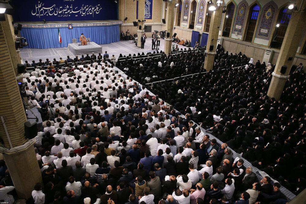 هزاران نفر از پرستاران با رهبر معظم انقلاب اسلامی دیدار کردند