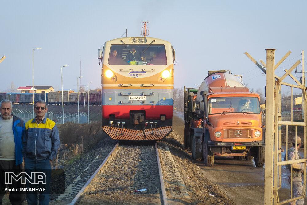 جابهجایی ۶ میلیون تن بار و ۱ میلیون مسافر با افتتاح راهآهن خواف - هرات