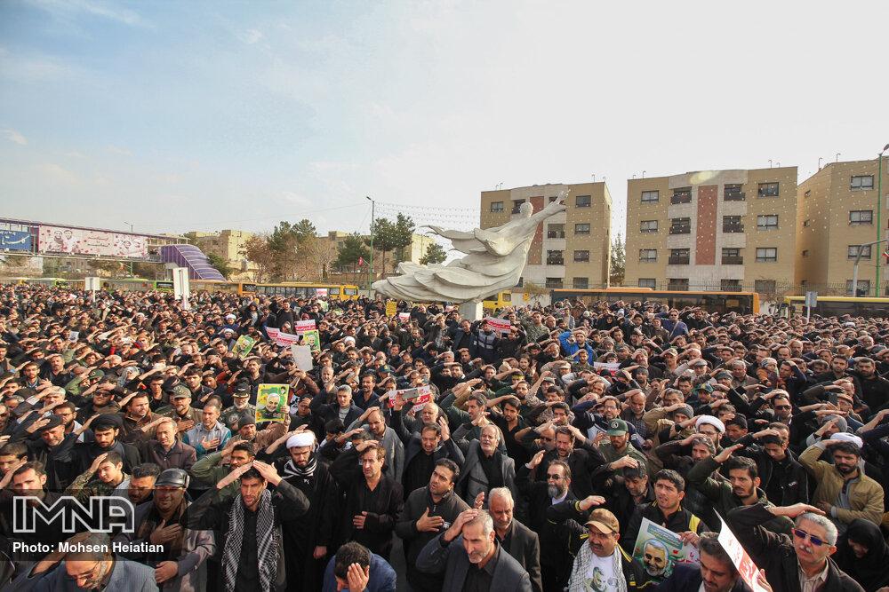 راهپیمایی سراسری در پی شهادت سپهبد حاج قاسم سلیمانی