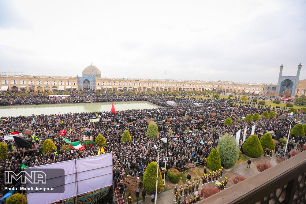 اجتماع بزرگ مردم اصفهان در سوگ سردار شهید قاسم سلیمانی