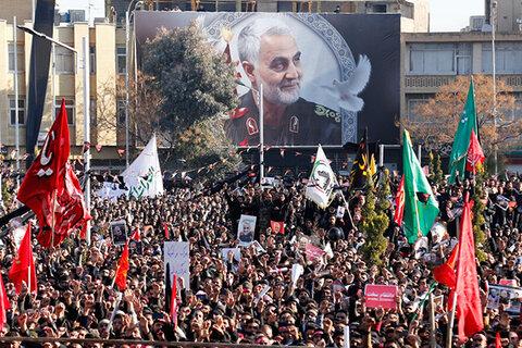 حضور باشکوه مردم کرمان در مراسم تشییع پیکر سردار سلیمانی