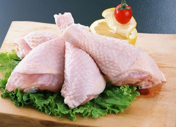هر کیلوگرم مرغ گرم ۱۵۷۵۰ تومان است