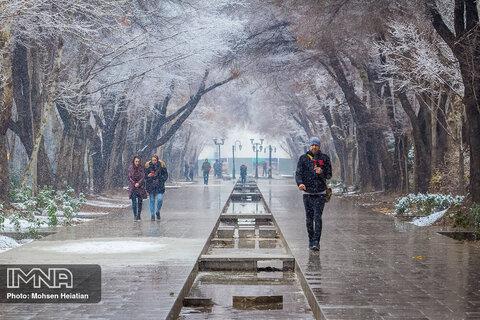 بارش برف در اصفهان