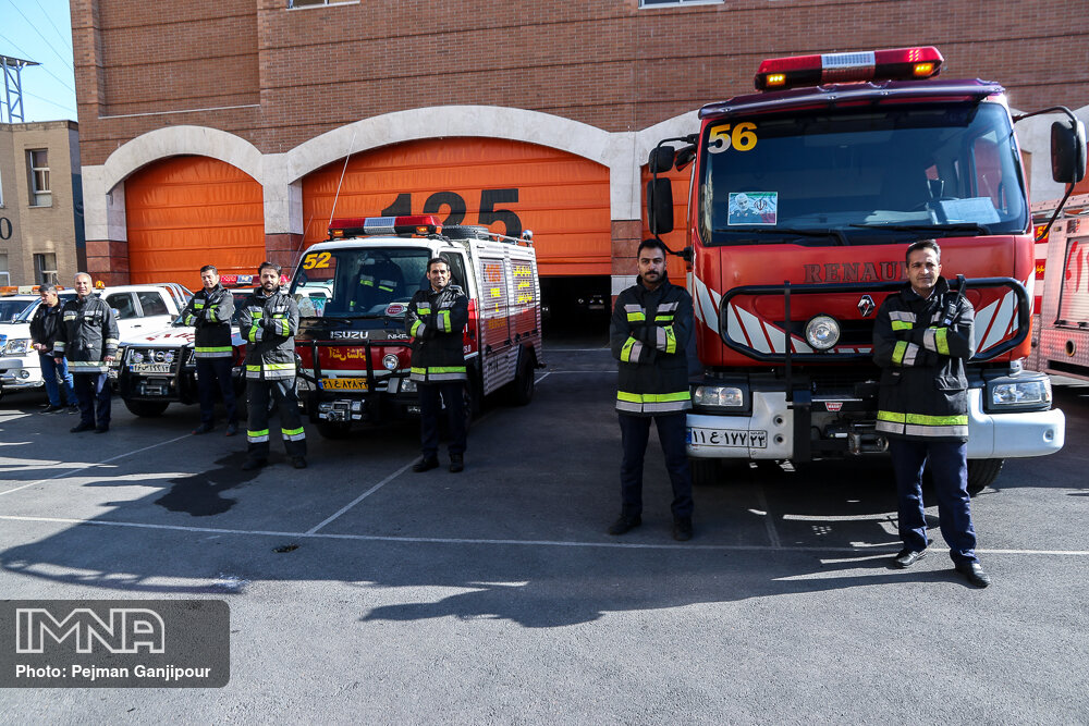 آمادهباش ۴۵۰ آتشنشان شیراز در روز برگزاری انتخابات