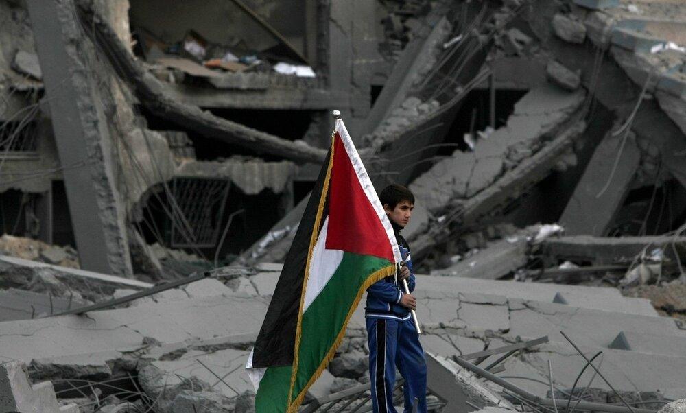 برافراشتن پرچمهای سیاه در نوار غزه