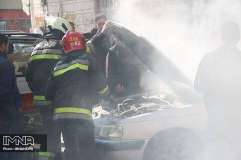 ۱۳۶ خودرو در اصفهان آتش گرفت