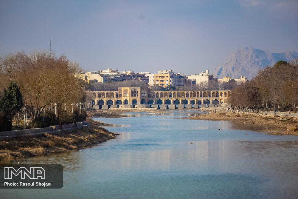 زایندهرود ۱۲ امشب برای باغات غرب اصفهان جاری میشود