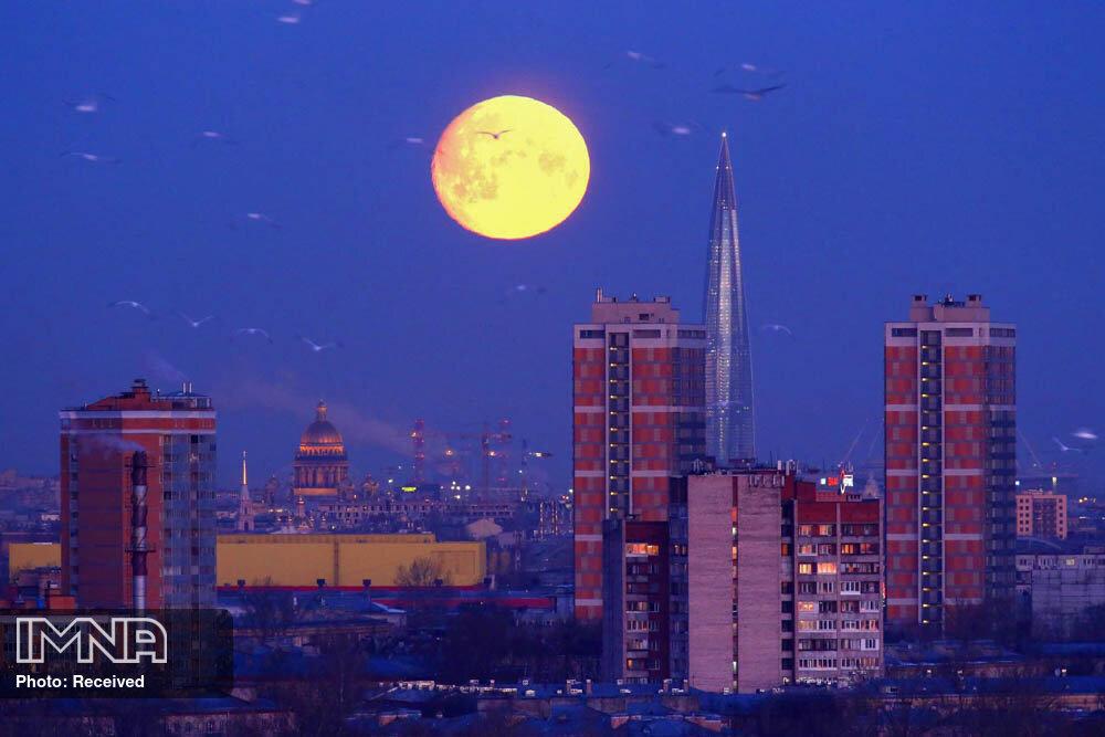 """کیهان امشب شاهد """"ماه در اوج زمینی"""" است"""