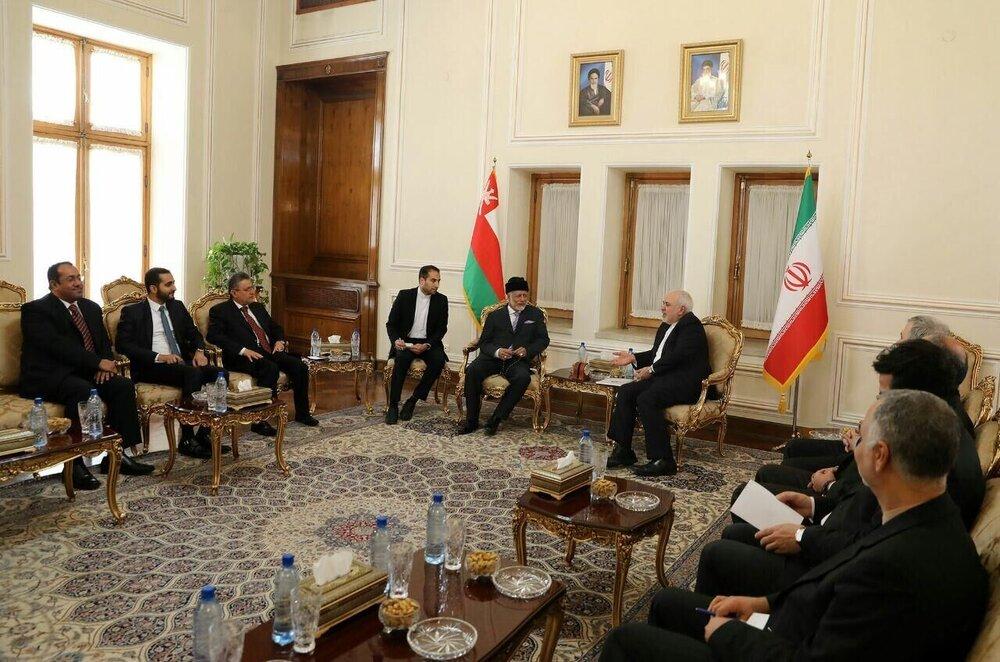 ایران و عمان بر تداوم همکاری با هدف تضمین دریانوری تاکید کردند