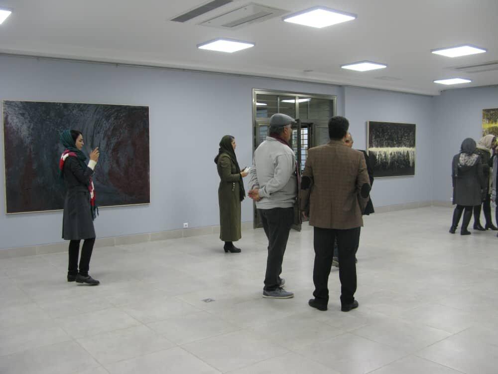 جهانی آشنا و غریب در نمایشگاه نقاشی «هوم خانه نیست»