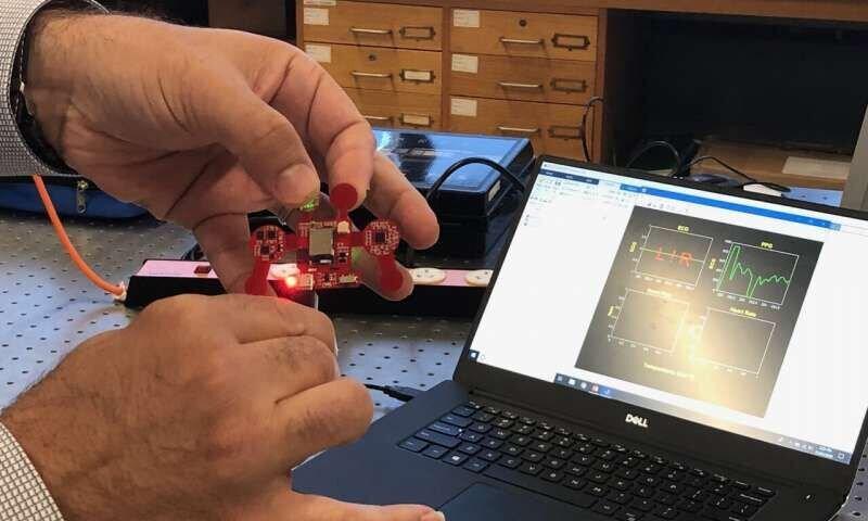 ساخت دستگاه پوشیدنی برای نظارت مستمر بر فشار خون