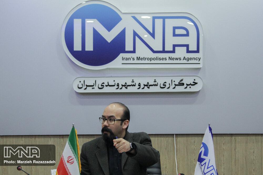 سخنگوی ستاد مبارزه با کرونا در اصفهان تعیین شود