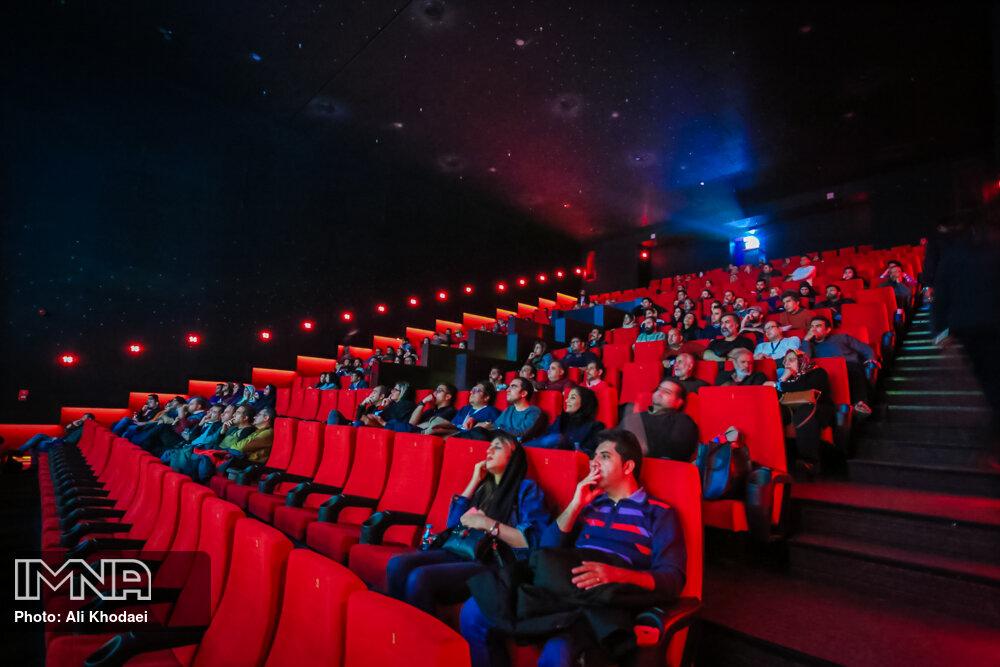 انتظامی: گسترش سالنهای سینمایی بخش خصوصی خبر خوشی است