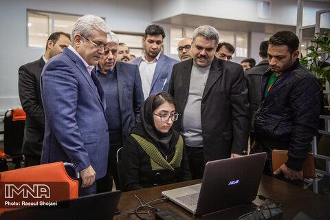 سفر سورنا ستاری، معاون علمی فناوری رئیس جمهور به اصفهان