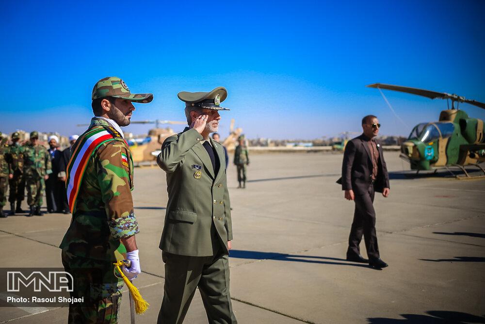 سفر وزیر دفاع به اصفهان