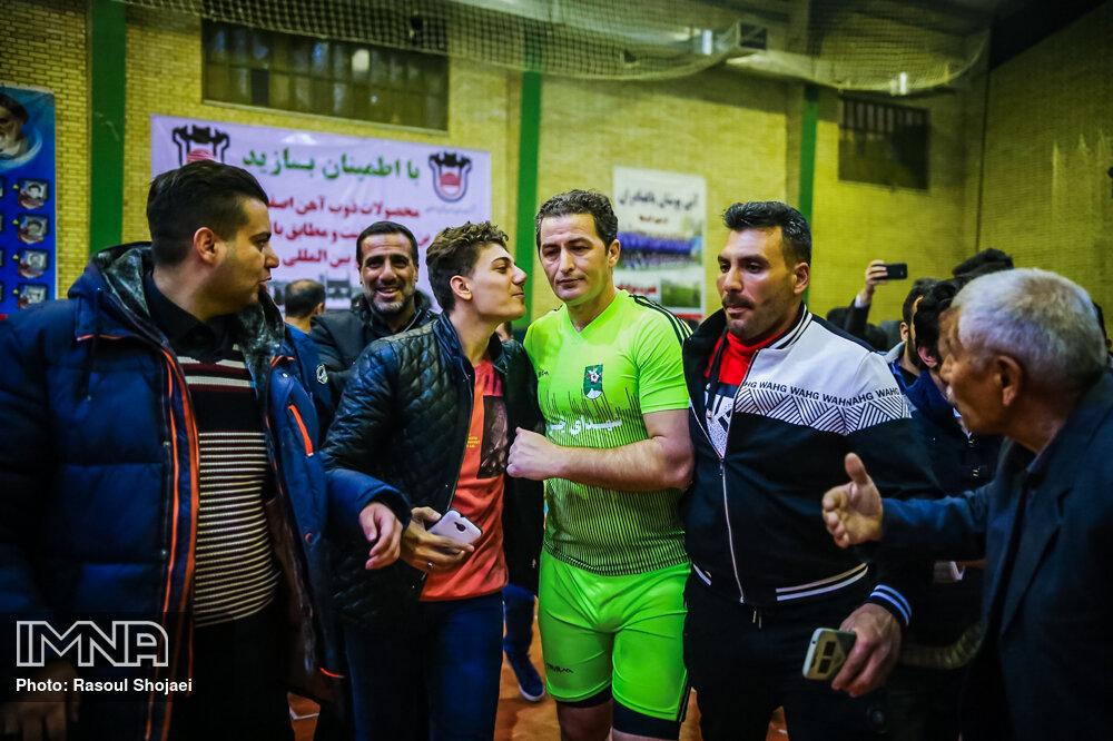 دیدار دوستانه تیم ملی ایران با پیشکسوتان باغبهادران