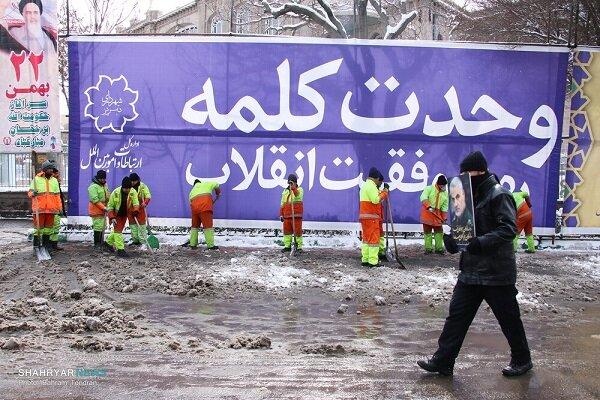ادامه روند جمعآوری پسماندهای شهری با وجود بارش برف در تبریز