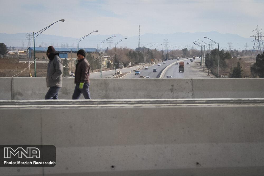 اعزام تعدادی از کارگران روزمزد به پروژههای عمرانی مشهد