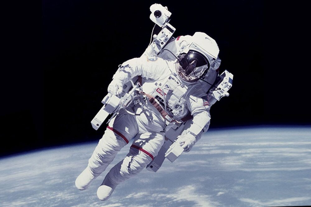 نیل آرمسترانگ؛ نخستین کسی که قدم بر ماه گذاشت