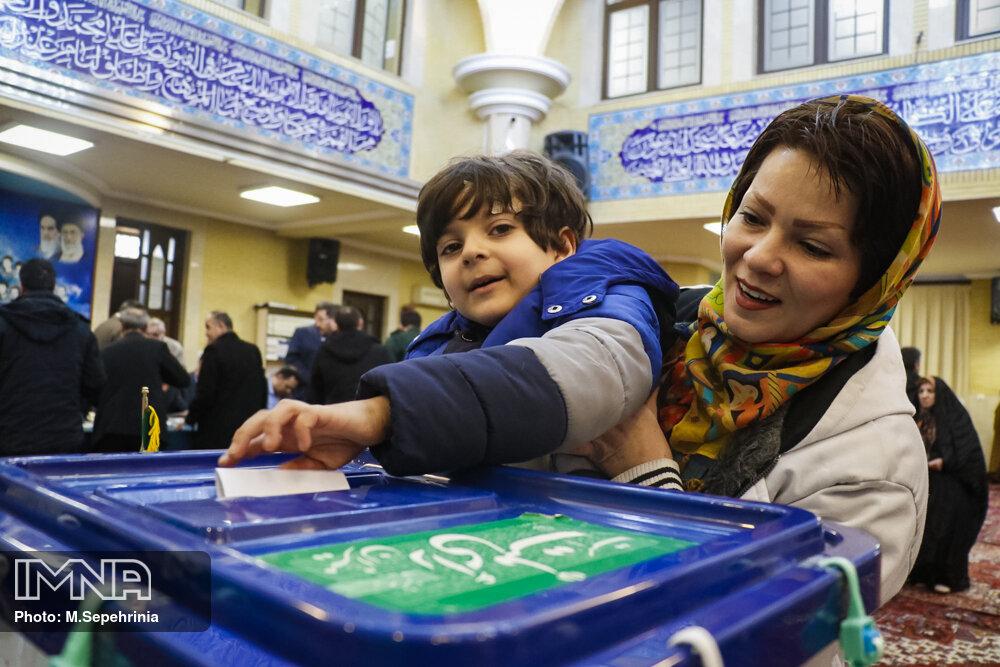 مشارکت مردم برای تکرار حضور در انتخابات ۸۰ جلب شود