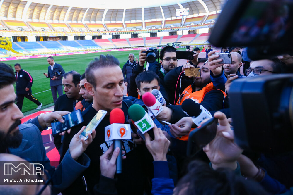 خبرنگاران هم به سرنوشت هواداران لیگ برتر فوتبال دچار شدند