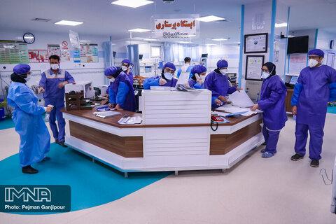 توزیع بسته تشویقی بین کادر درمانی درگیر کرونا در اصفهان