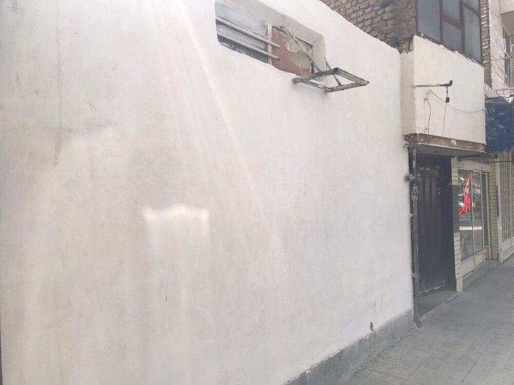 اجرای طرح پیرایش شهری در خیابان عسکریه