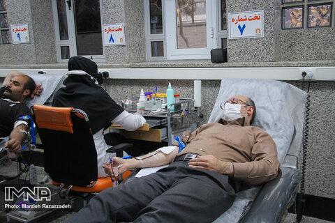 ساعات خونگیری در ماه رمضان افزایش یافت/ درخواست لغو منع تردد شبانه برای اهدا کنندگان خون