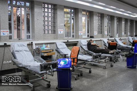 ۹۲۰۰ اصفهانی در فروردین امسال خون اهدا کردند/نیاز به پلاکت داریم