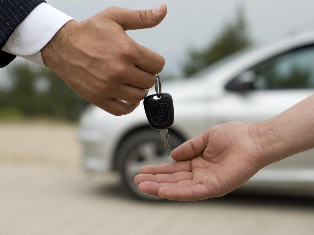 کاهش ۵۰ درصدی معاملات خودرو در بازار